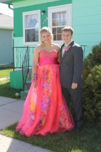 Paulina and Alex leaving the house to head for prom.