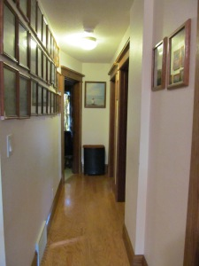 Hallway to the guest/daughter room.