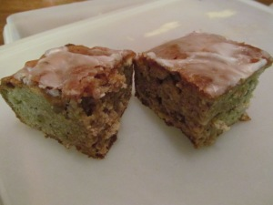 Apple bars with glaze