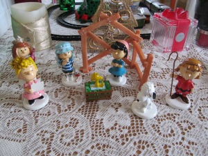 Peanuts gang Nativity set. Yeah, I love them.