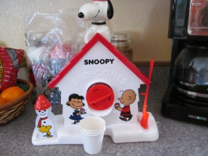 Snoopy snow cone maker from Paulina, I still have to set this up to use it. Maybe later today. I think this will be the item for New Year's Eve.
