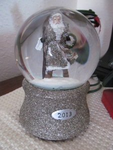 Father Christmas snow globe. So pretty!! Thanks Victoria.