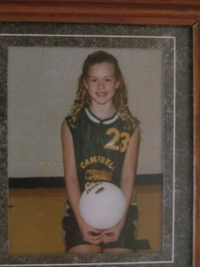 Victoria's volleyball picture the year she was diagnosed with crone's disease.